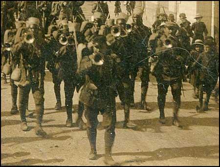 D�fil� militaire � la Teste de Buch en 1916